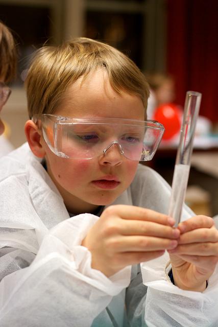 kids learn chemistry